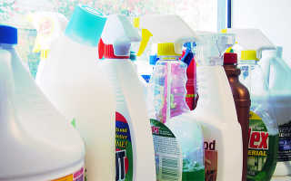 Чем отмыть пластиковый подоконник: способы и средства